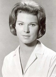 Mariette Hartley as a young woman