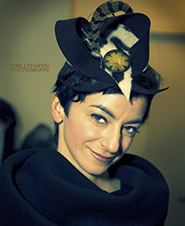 Hatmaker Jasmin Zorlu in fascinator hat