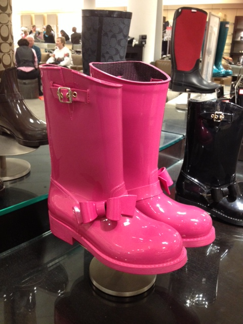 Pink puddlejumpers with bows