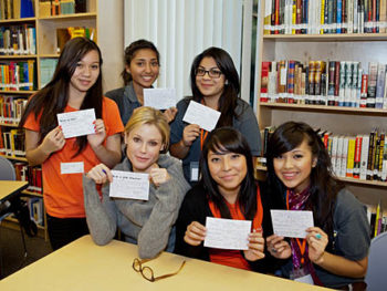 """Step Up teens with Julie Bowen from """"Modern Family"""""""