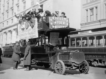 Suffragists on bus Mar. 3, 1913/Library of Congress