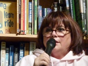 Llinda Ronstadt at Changing Hands/Oct. 2013/book event