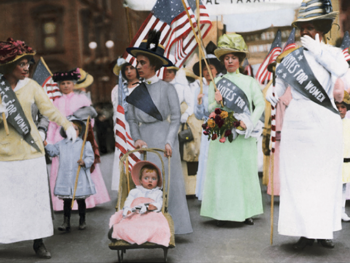 Library of Congress photo, Suffragettes parade New York City in 1916017